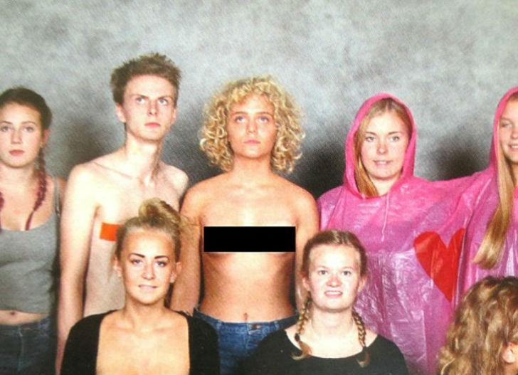 Шведская школьница показала всем грудь на школьной фотографии