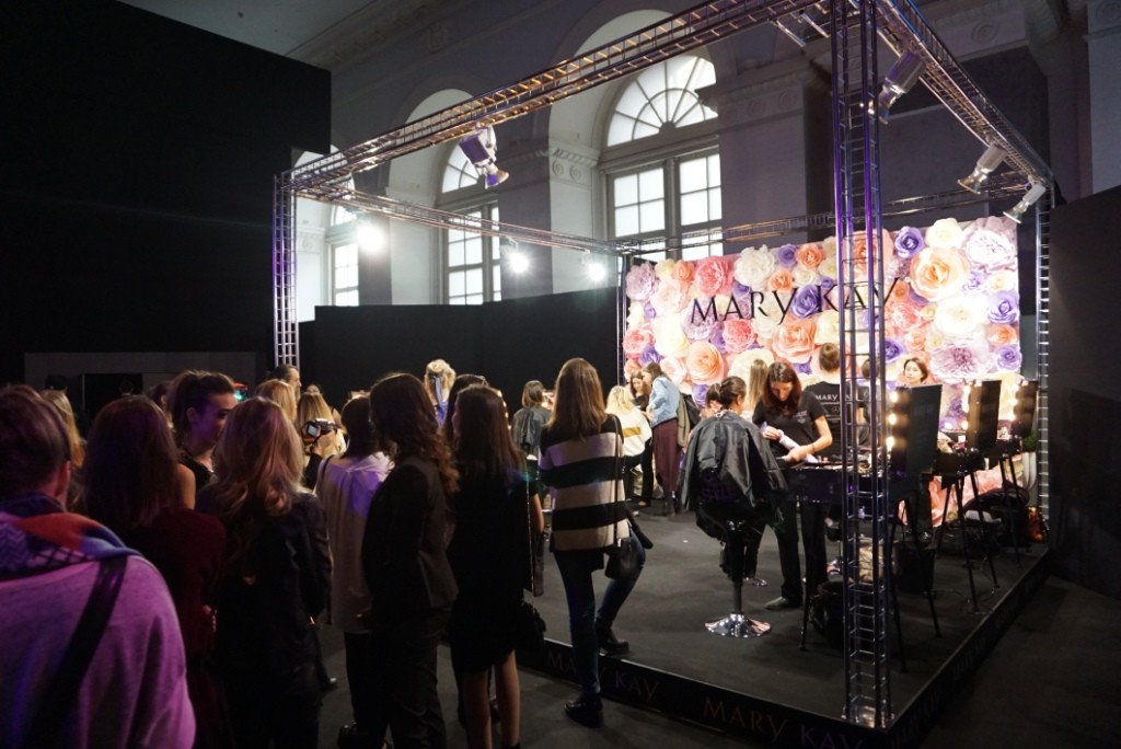 Команда визажистов Mary Kay на Mercedes-Benz Fashion Week Russia усилилась Андреем Шилковым