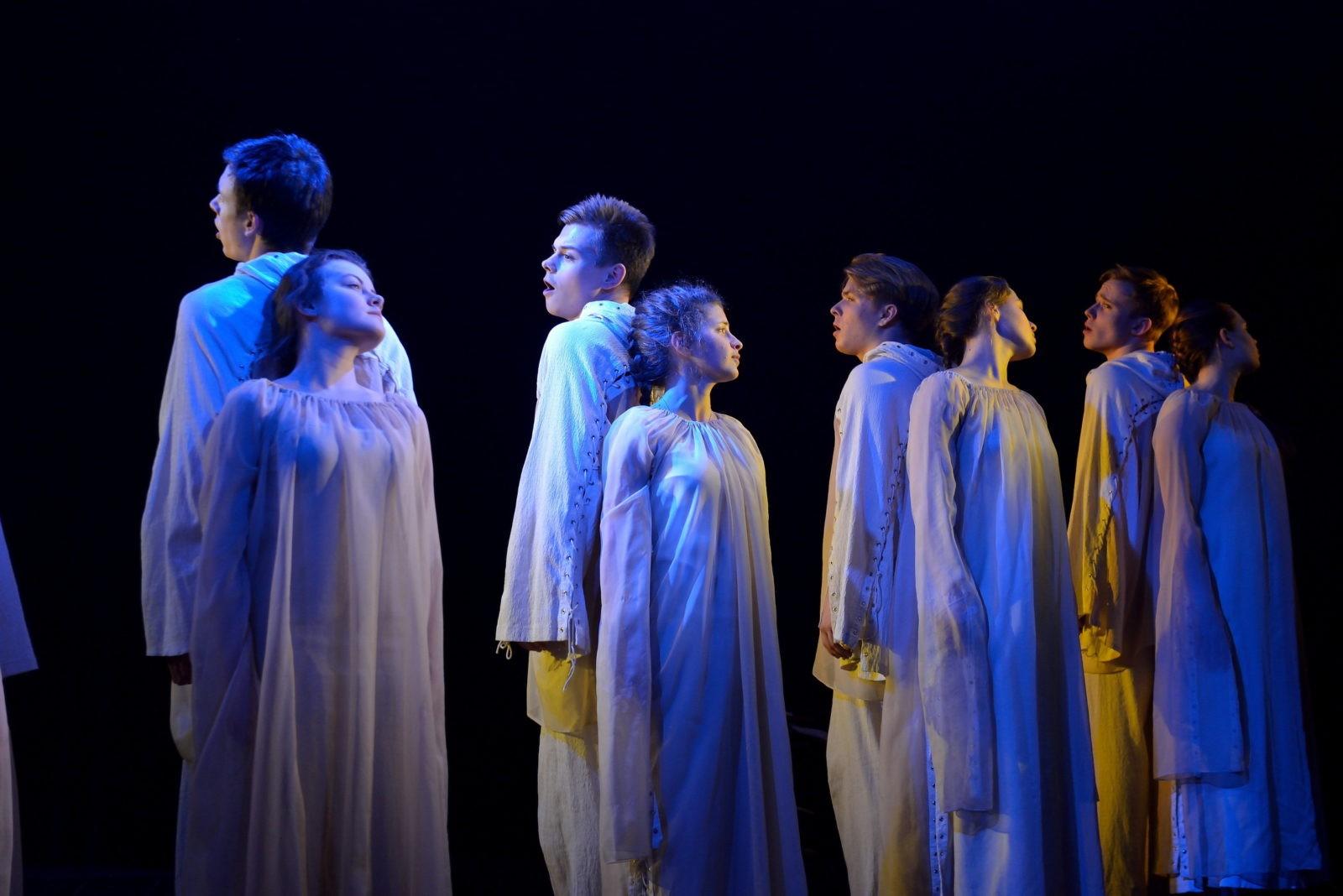 Спектакль-притчу «Сон о дожде» возобновили в ДМТЮА