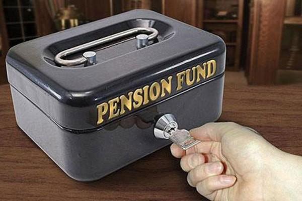 Помогут в старости? Как зарабатывают на пенсию работники крупнейших компаний России