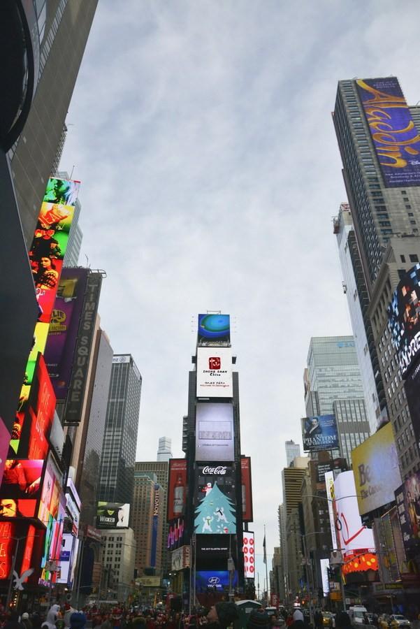 На Таймс-сквер в Нью-Йорке началась трансляция рекламного ролика города Чжуншань