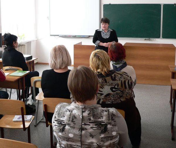 Исаак Калина: задача родительских собраний — способствовать налаживанию отношений между родителями и школой
