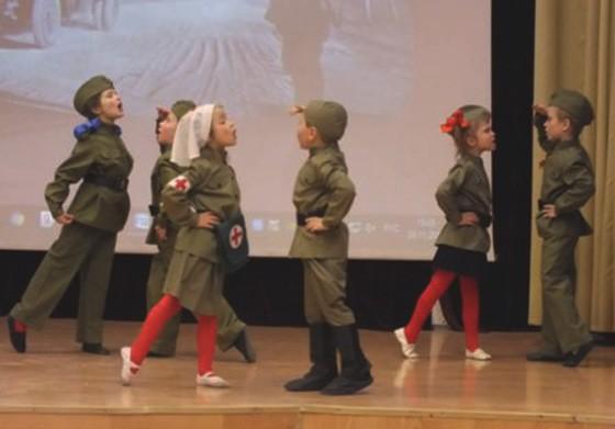 В Москве концертом отсалютовали 75-летию Сталинградской и Курской битв