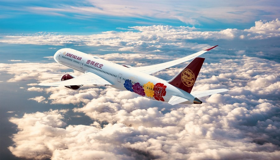 Первый борт Boeing 787 Juneyao Airlines украсят яркими китайскими пионами
