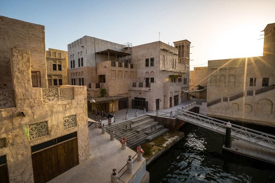 Отель Al Seef Hotel by Jumeirah в историческом центре Дубая встречает гостей