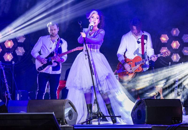 Лина Милович выступила в Известия Hall с новой программой «Лови меня»