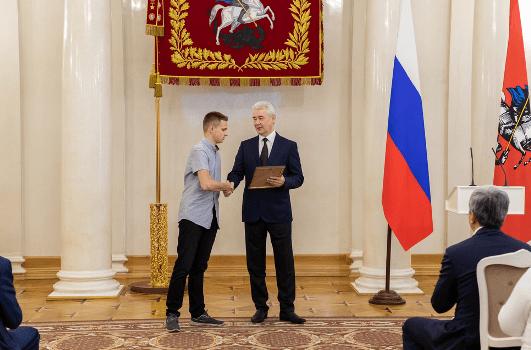 Ученик медицинского класса Богдан Рудик вошел в число заслуженных москвичей