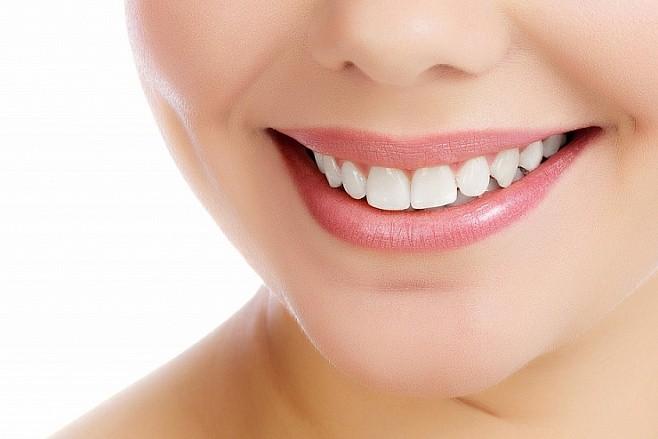Имплантацию зубов методом All-on-6 выполняют в стоматологии «Зууб»