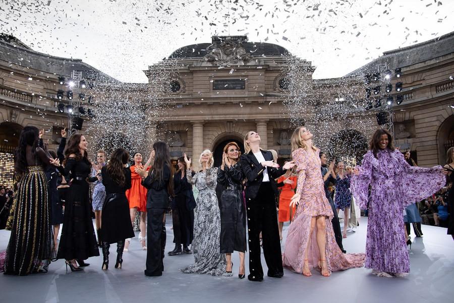В Парижском монетном дворе состоялось дефиле L'Oréal Paris
