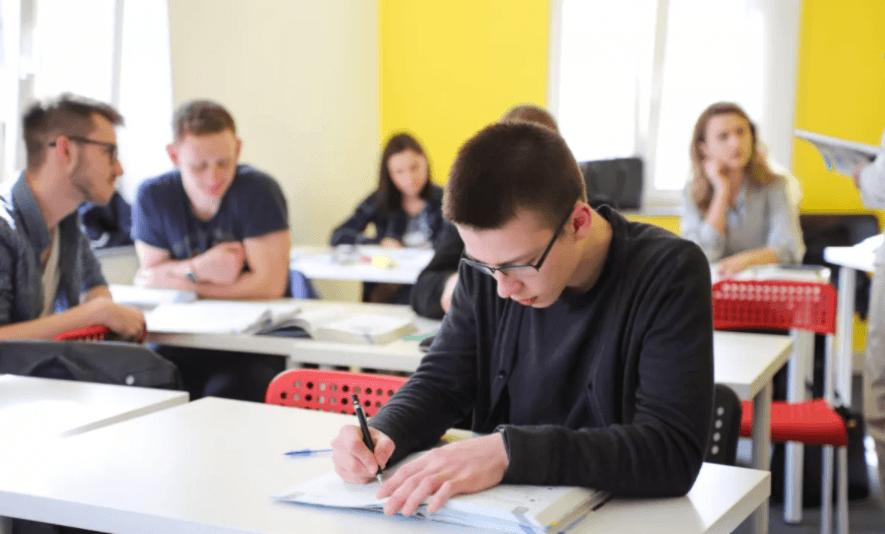 Столичные власти увеличат расходы на образование