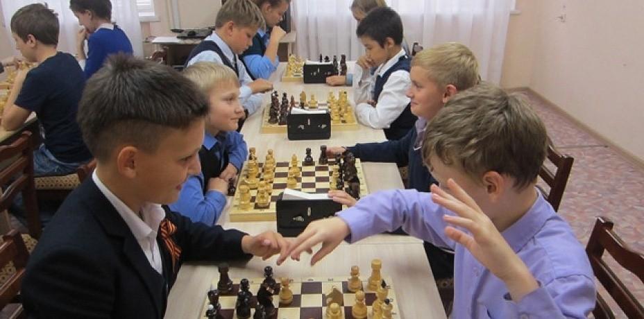 Школьников российской учат играть в шахматы уже в 1 классе
