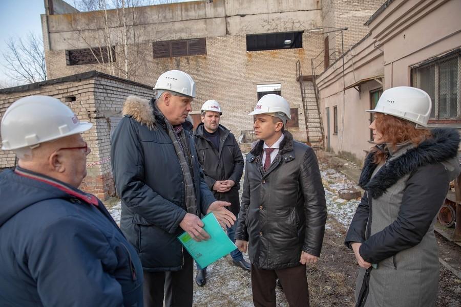 Михаил Романов: в Петербурге проверят заведения в помещениях, где проходят тепловые сети