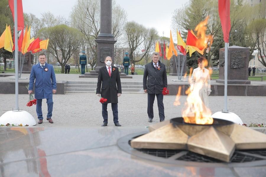 Михаил Романов осмотрел колпинские памятники защитникам Ленинграда