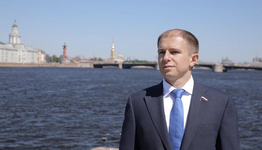 Михаил Романов поздравил сотрудников ГИБДД с профессиональным праздником