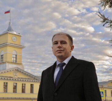 Михаил Романов поздравил сотрудников и ветеранов органов внутренних дел с профессиональным праздником