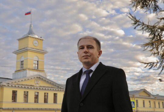 Михаил Романов обратился к Александру Бастрыкину с просьбой взять на личный контроль расследование дела о падении ребенка со скалодрома в «Питерлэнде»