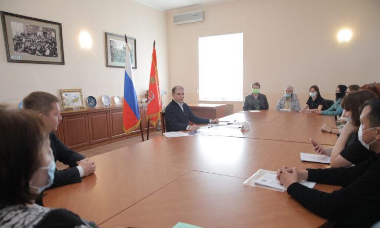 Михаил Романов провел личный прием жителей Невского района