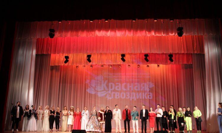 Названы имена победителей Международного фестиваля-конкурса национальной патриотической песни «Красная гвоздика» в Керчи
