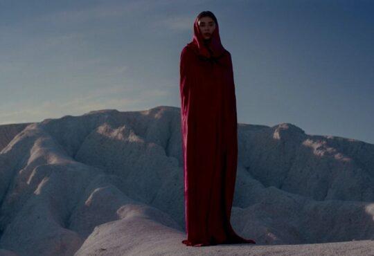 Тайны Востока и эффектное видео в пустыне: ETOLUBOV презентует релиз «Притяжение»
