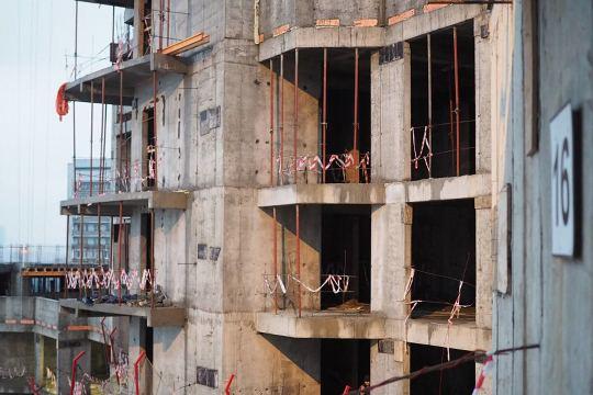Обещаниям компании «ФЦСР» о достройке комплекса дольщики ЖК «Квартал Триумфальный» не верят